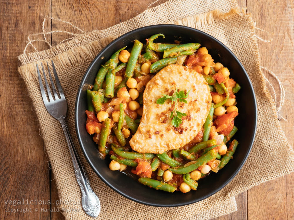 Stock photo of Green Bean and Tomato Stew with Chickpeas