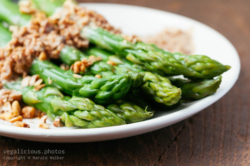 Stock photo of Asparagus with Walnut Sauce